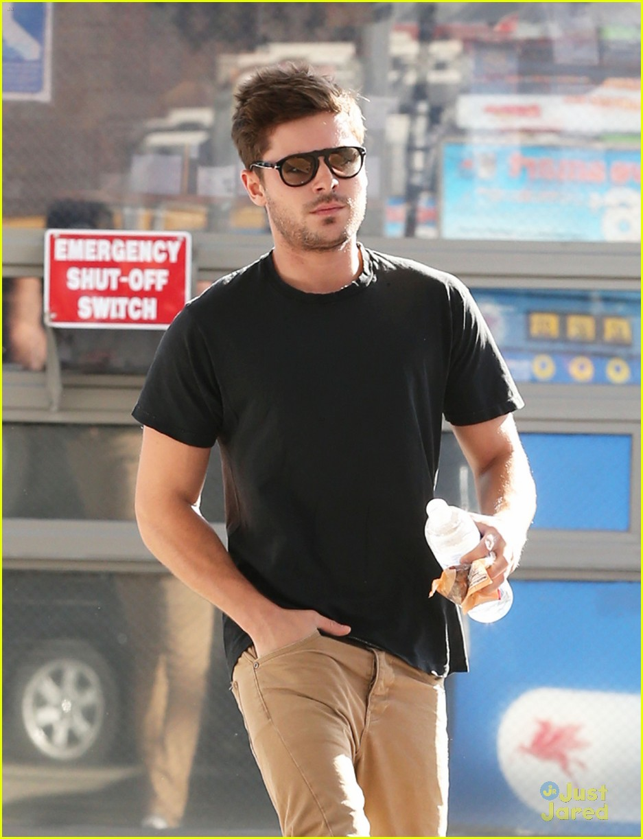 zac efron gas station stop 13