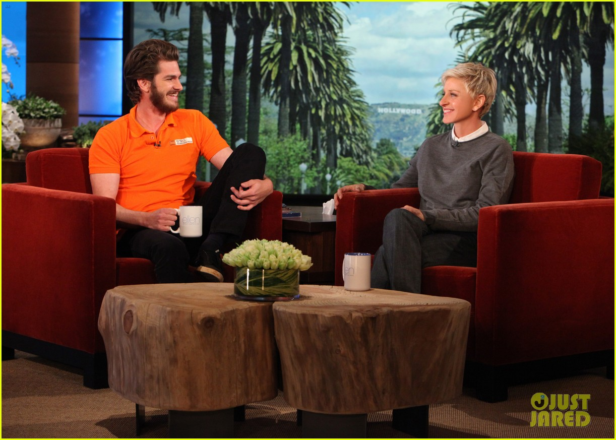 andrew garfield belly dances for charity on ellen 01
