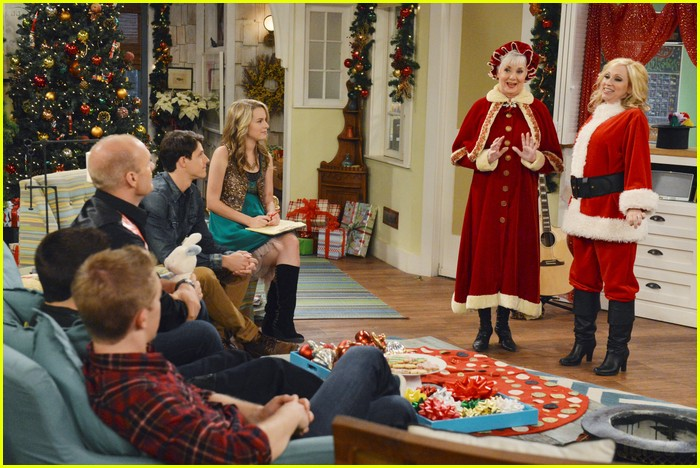 good luck charlie christmas 09