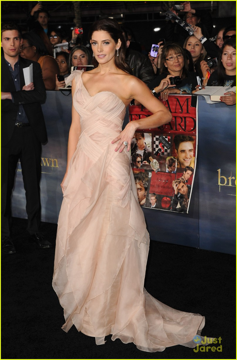 ashley greene bd premiere 11