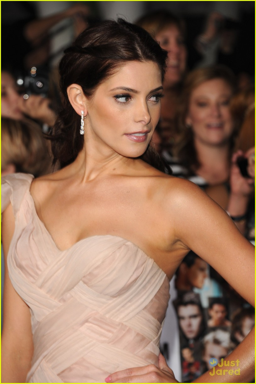 ashley greene bd premiere 17