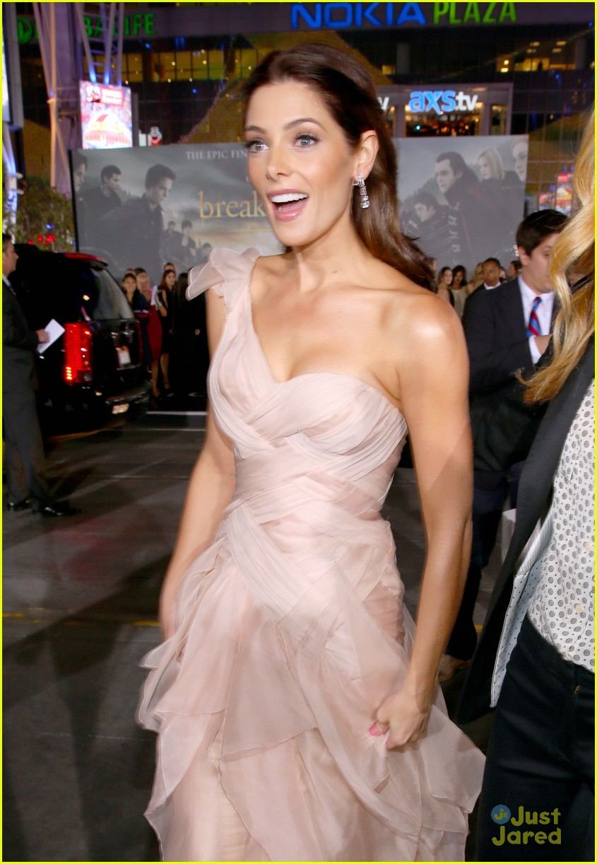 ashley greene bd premiere 19