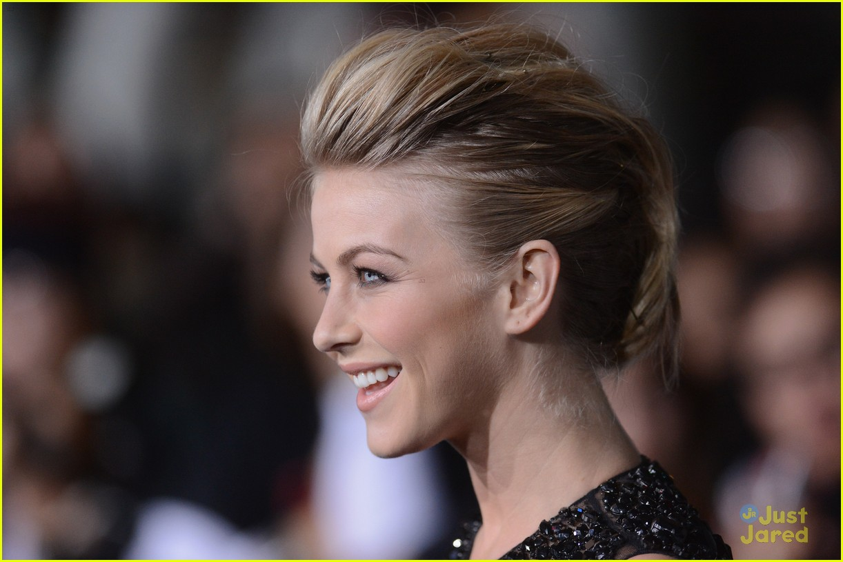 julianne hough bd premiere 06