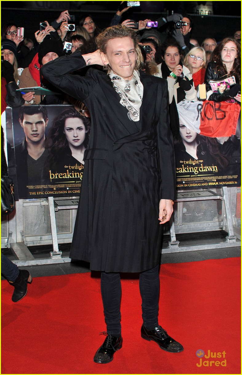 jamie campbell bower ella henderson twilight uk 10