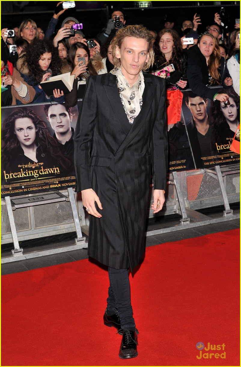 jamie campbell bower ella henderson twilight uk 11