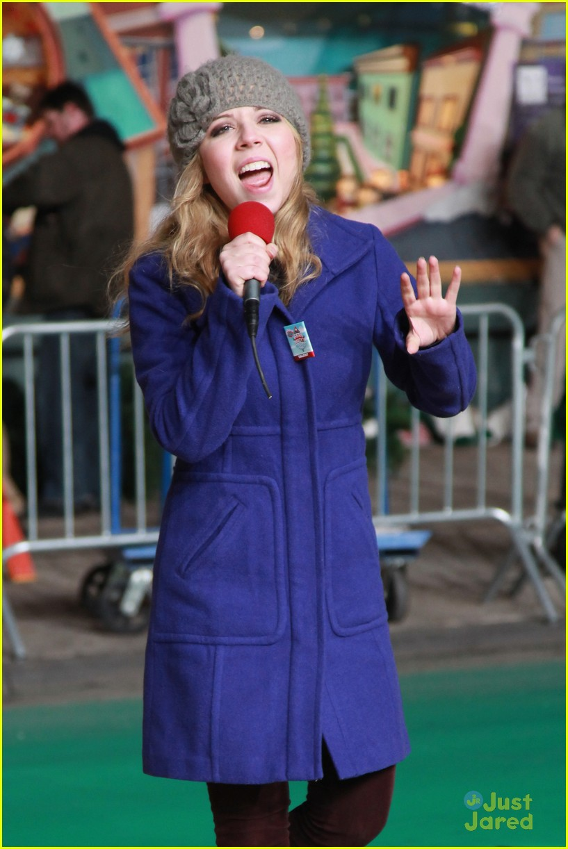 jennette mccurdy parade rehearsal 15