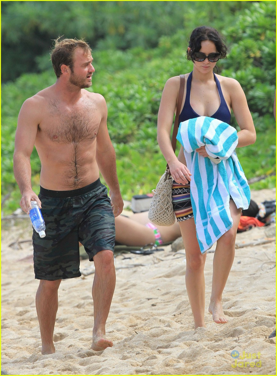 jennifer lawrence thanksgiving beach day 09