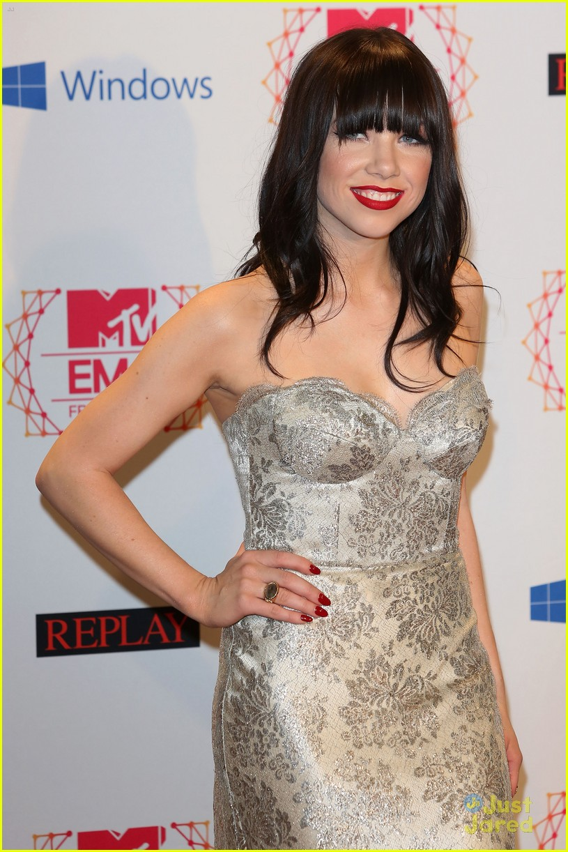 carly rae jepsen mtv emas 03