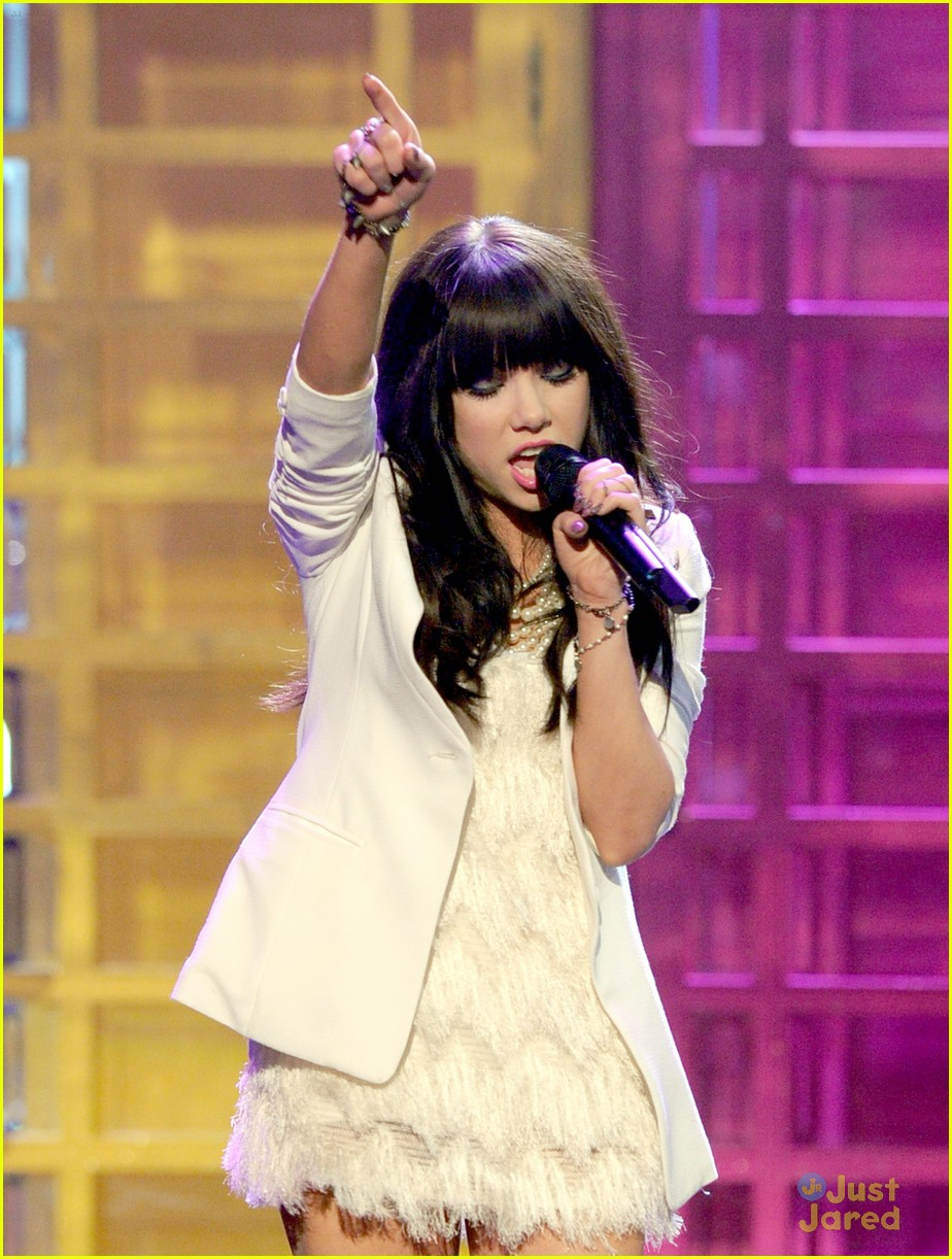 carly rae jepsen fave new artist 10