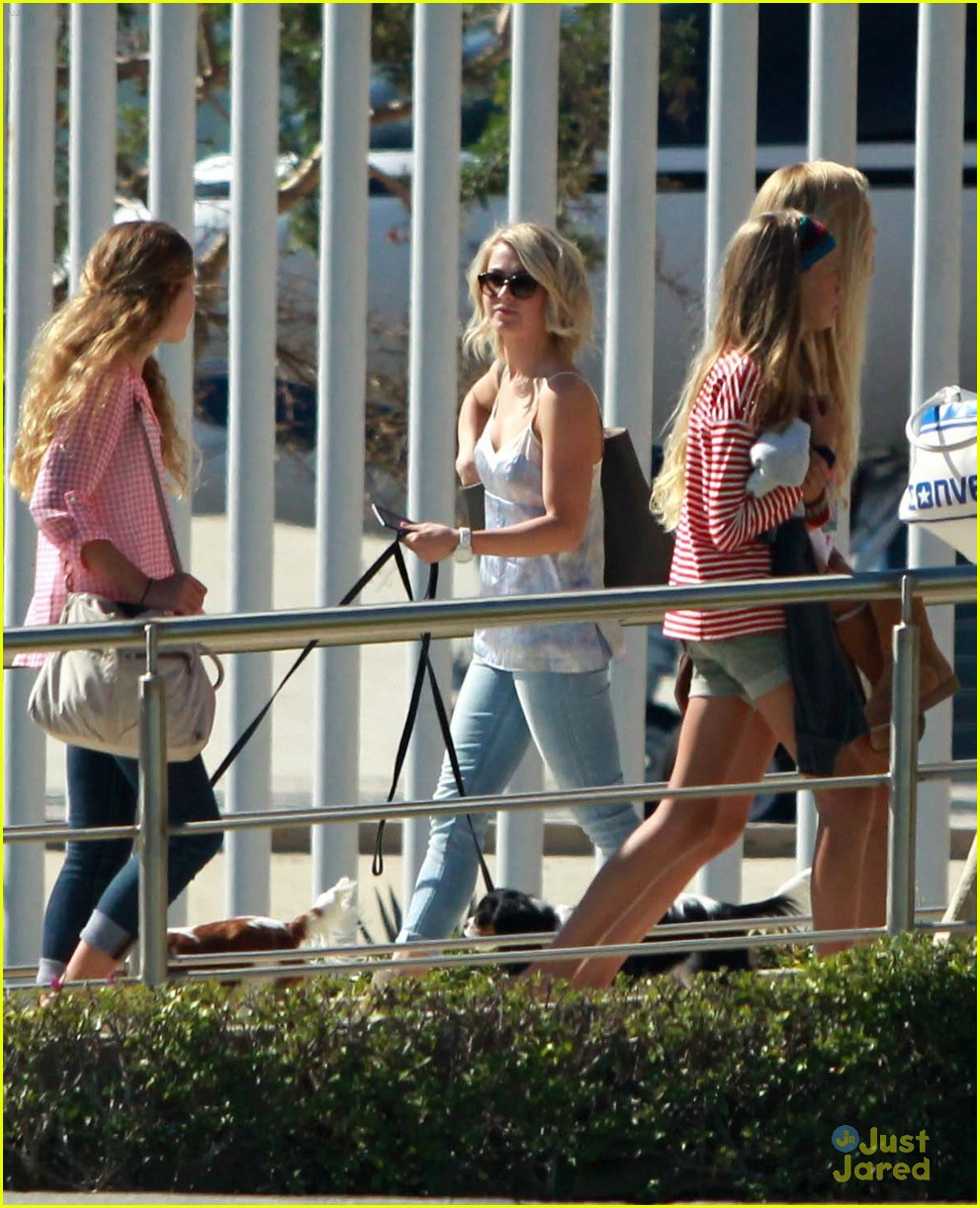julianne hough mexico vacat ryan 01
