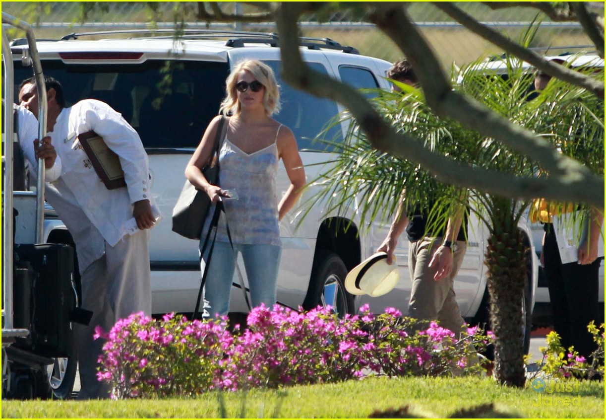 julianne hough mexico vacat ryan 03