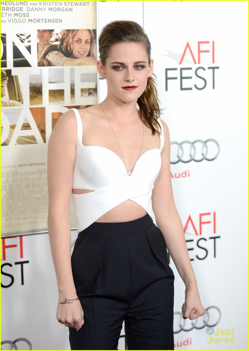 kristen stewart on road afi 07