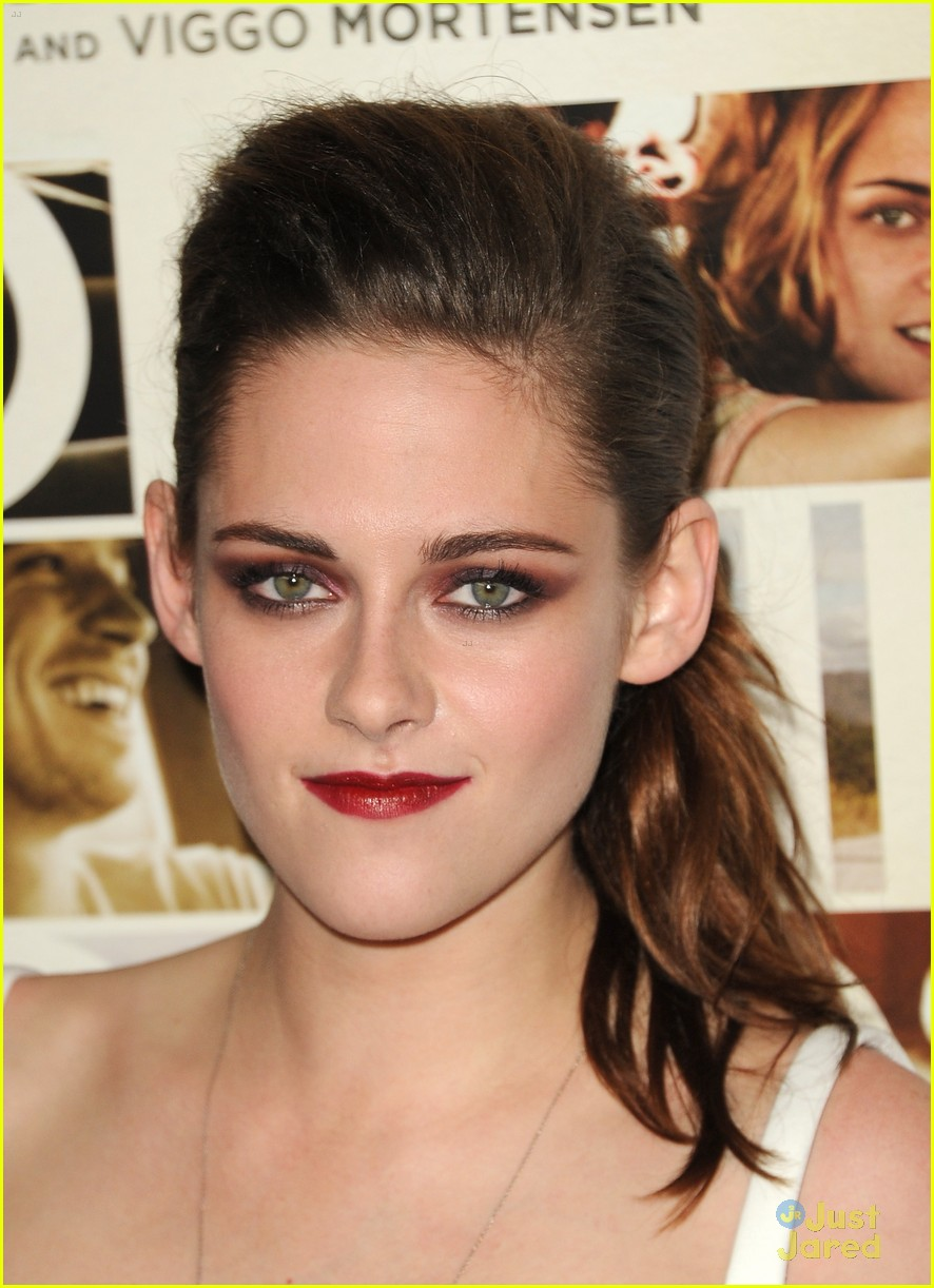 kristen stewart on road afi 10