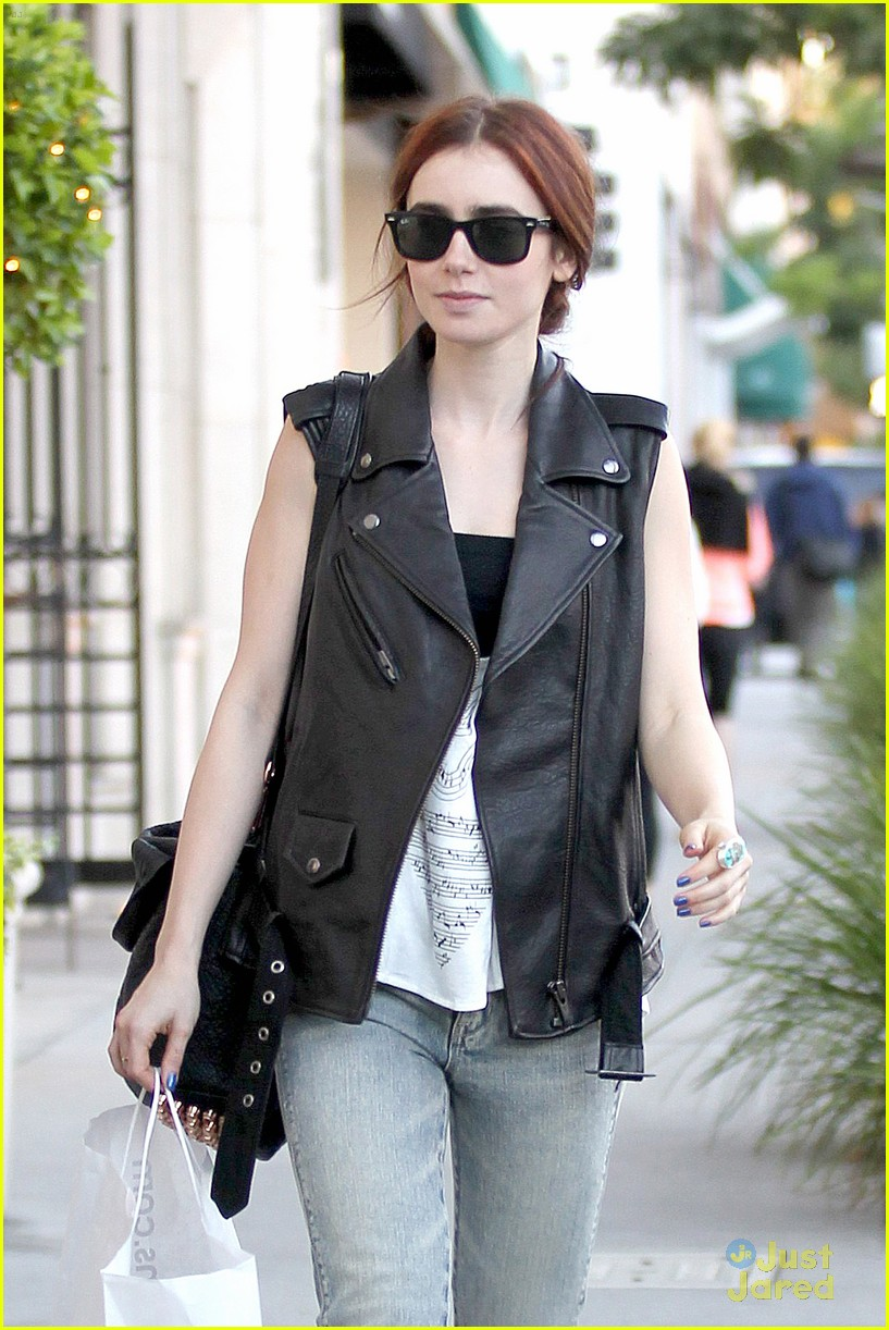 lily collins loehmanns shopper 03