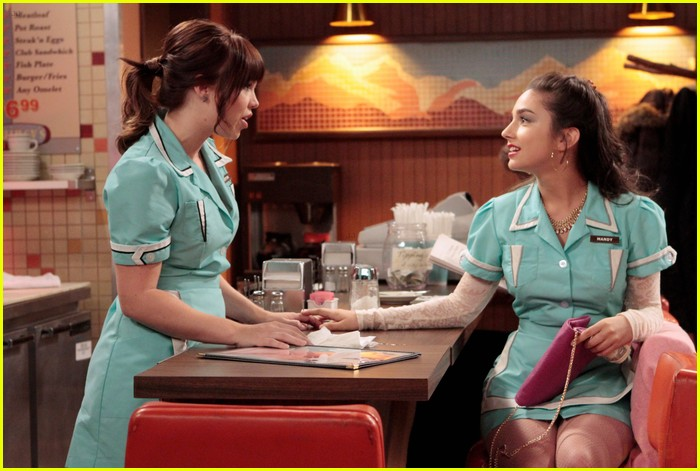 molly ephraim waitress lms 01