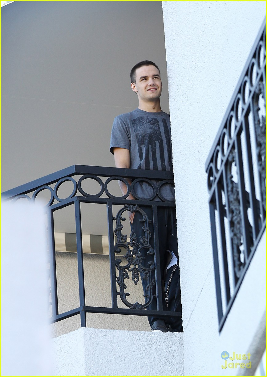 louis tomlinson liam payne balcony 08