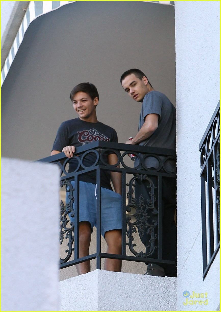 louis tomlinson liam payne balcony 09