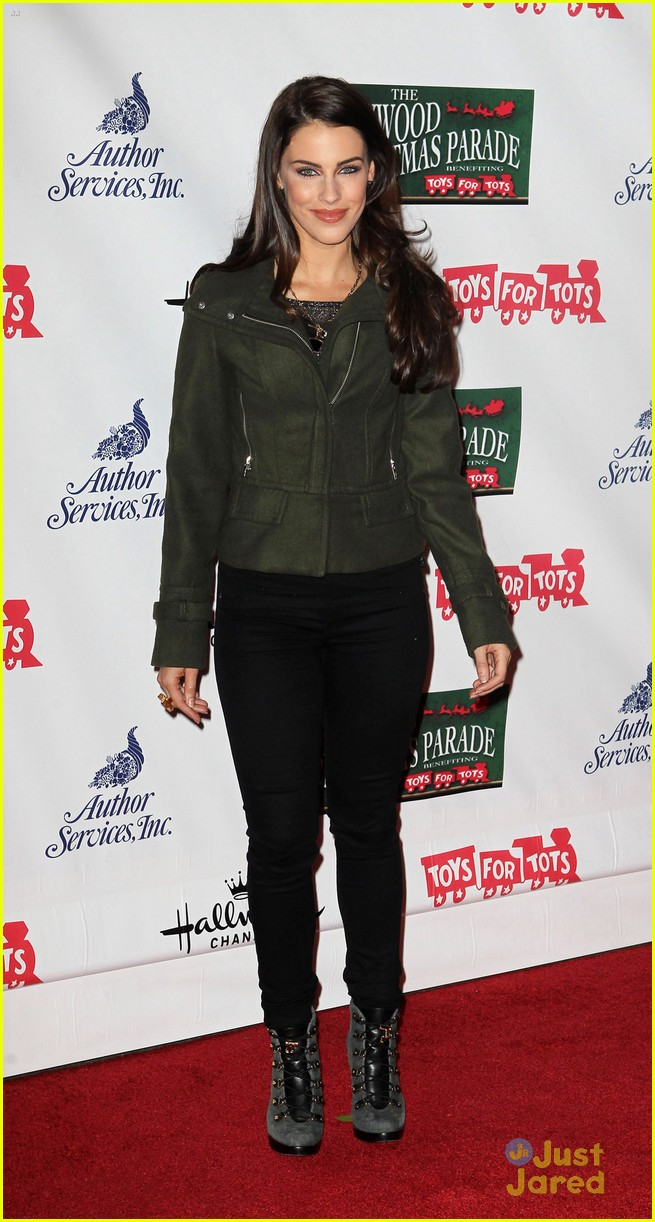 jessica lowndes hollywood christmas parade 08