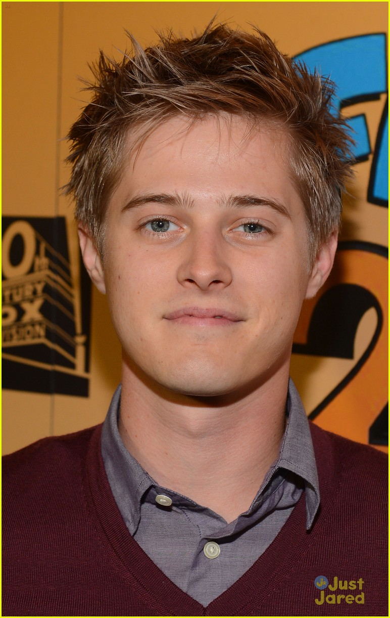 lucas grabeel family guy 06