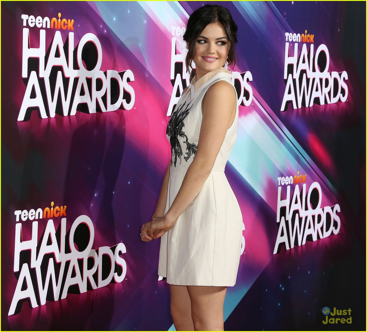 lucy hale amas halo awards 15