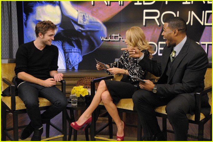robert pattinson live kelly michael 03