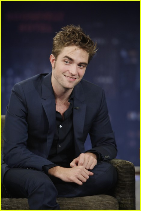 robert pattinson kristen stewart private plane 01