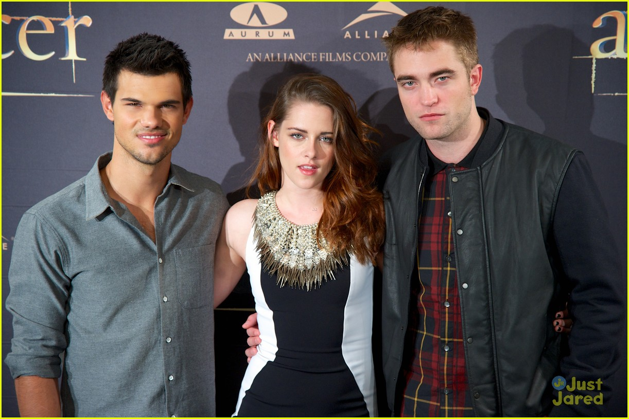 kristen stewart robert pattinson breaking dawn madrid photo call 06