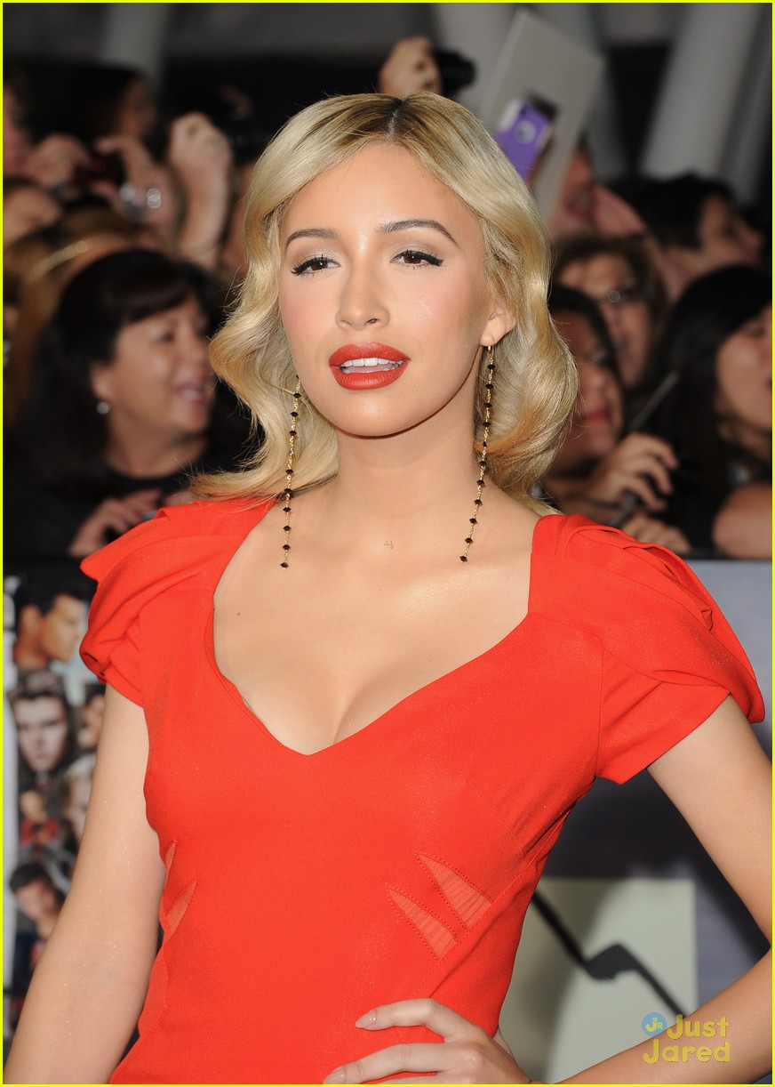 christian serratos bd premiere 12