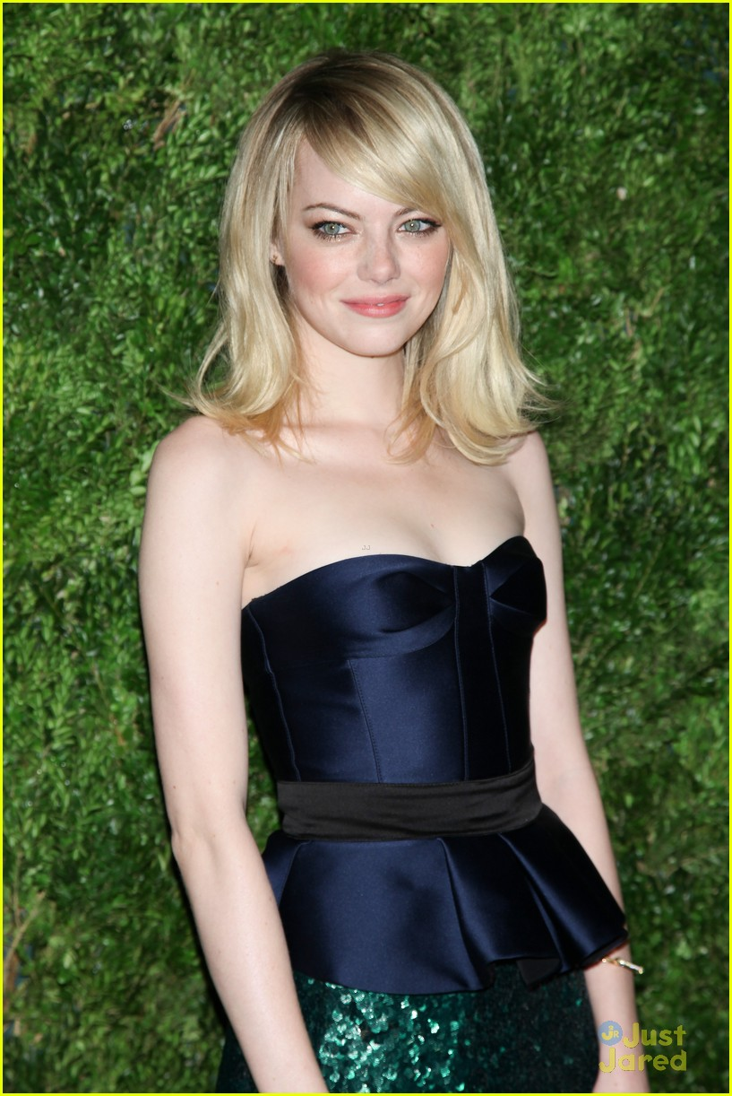 emma stone cfda fashion fund awards 04