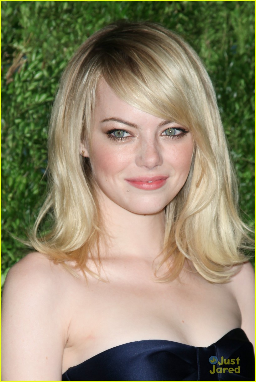 emma stone cfda fashion fund awards 19