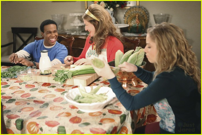suburgatory thanksgiving sheas 03