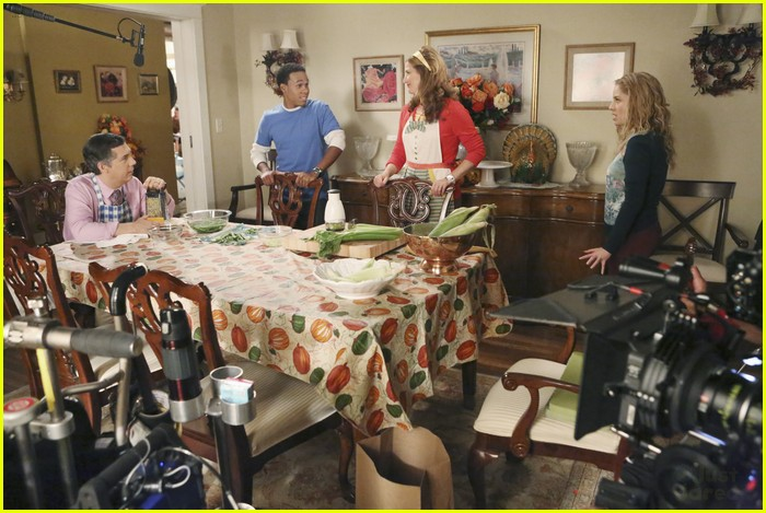 suburgatory thanksgiving sheas 10