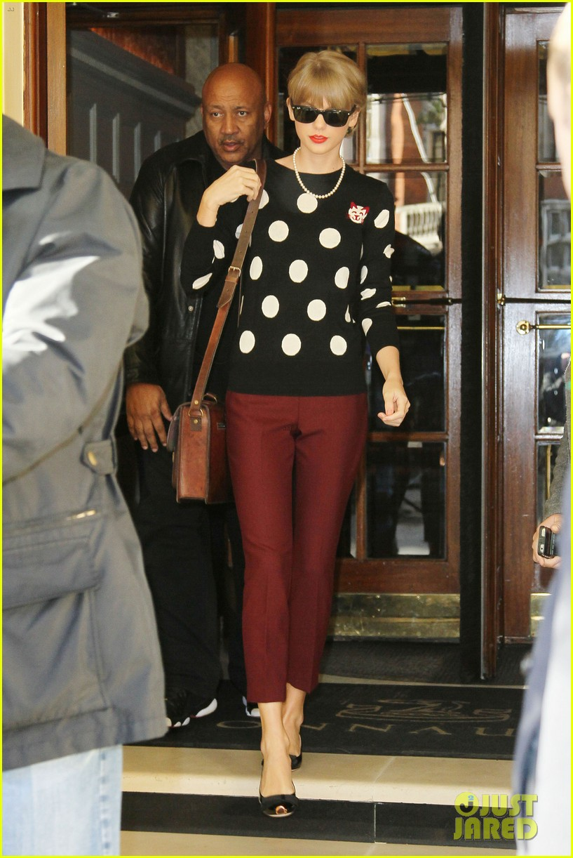 taylor swift red sales are unbelievable 05
