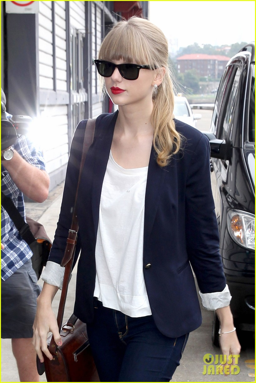 taylor swift today performance 02