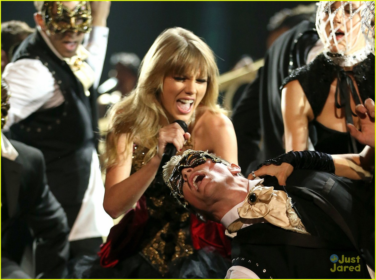 taylor swift trouble amas 06