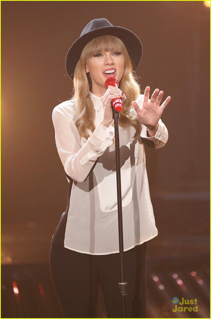 taylor swift x factor usa 05