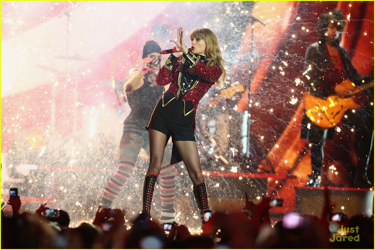 taylor swift 2012 mtv emas 07