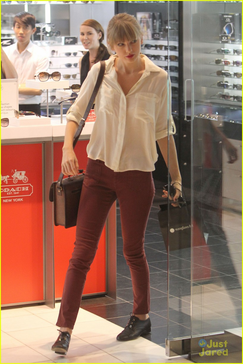 taylor swift sydney shopping spree 08
