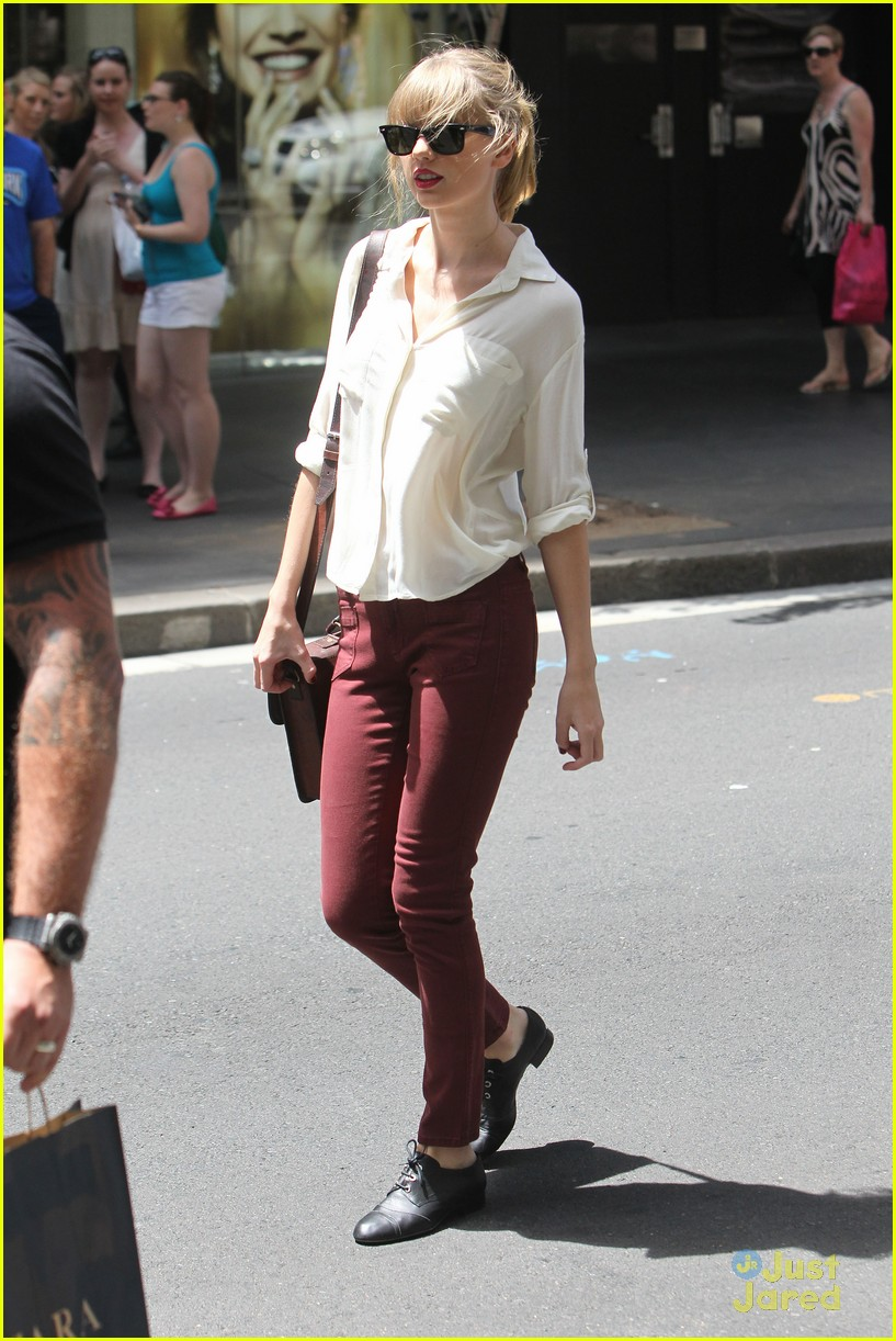 taylor swift sydney shopping spree 24