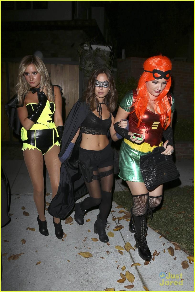 ashley tisdale batman for halloween photo 507049 photo gallery just jared jr - Ashley Tisdale Halloween