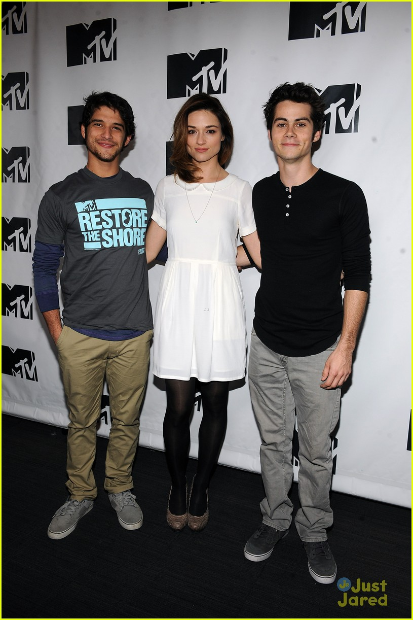 tyler posey restore the shore 01