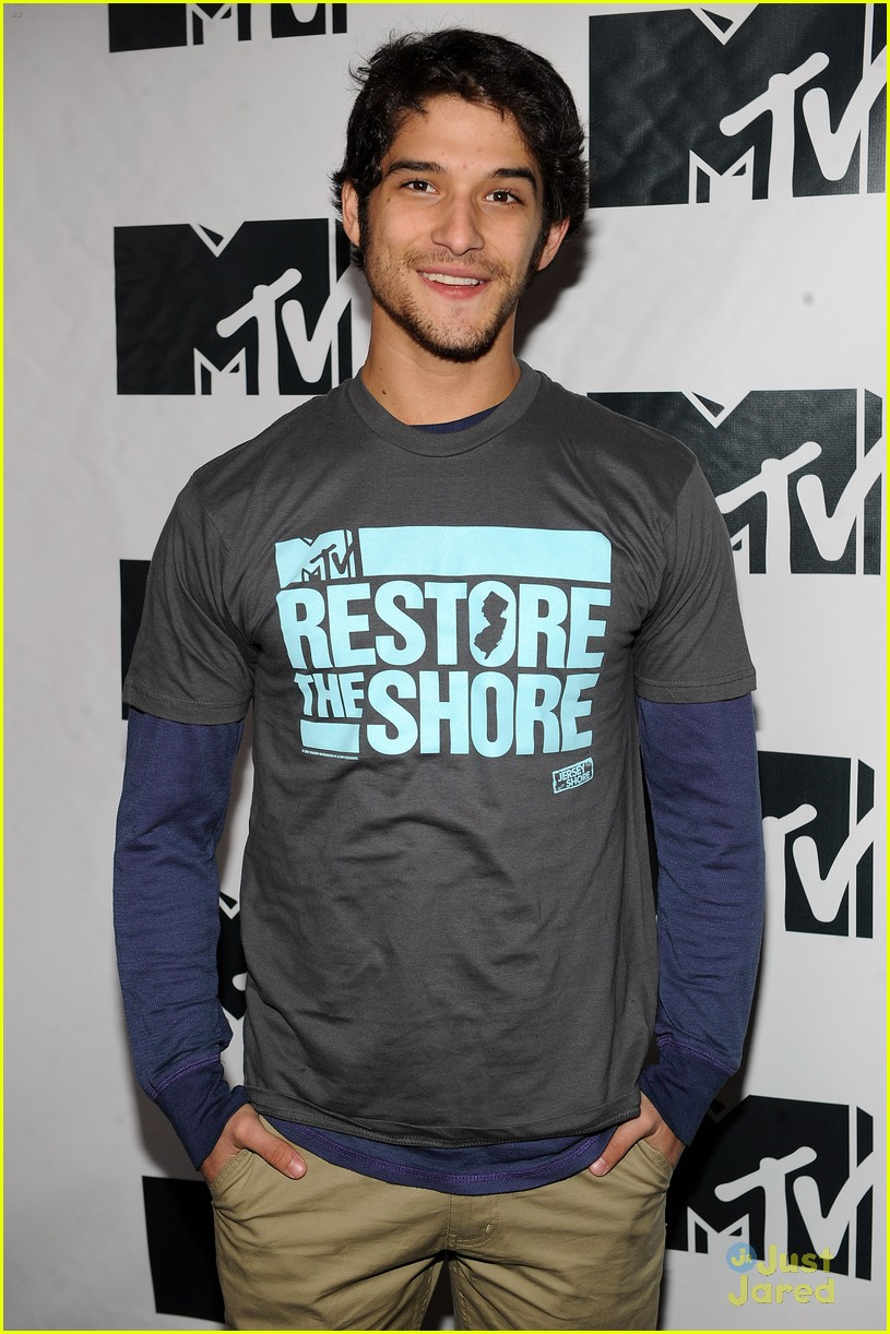 tyler posey restore the shore 03