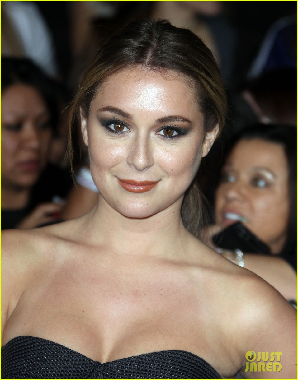 alexa vega the twilight saga breaking dawn part 2 premiere 03