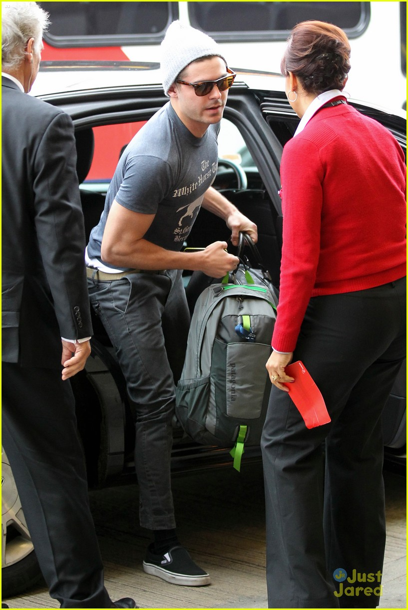 zac efron lax rainy goodbye 13