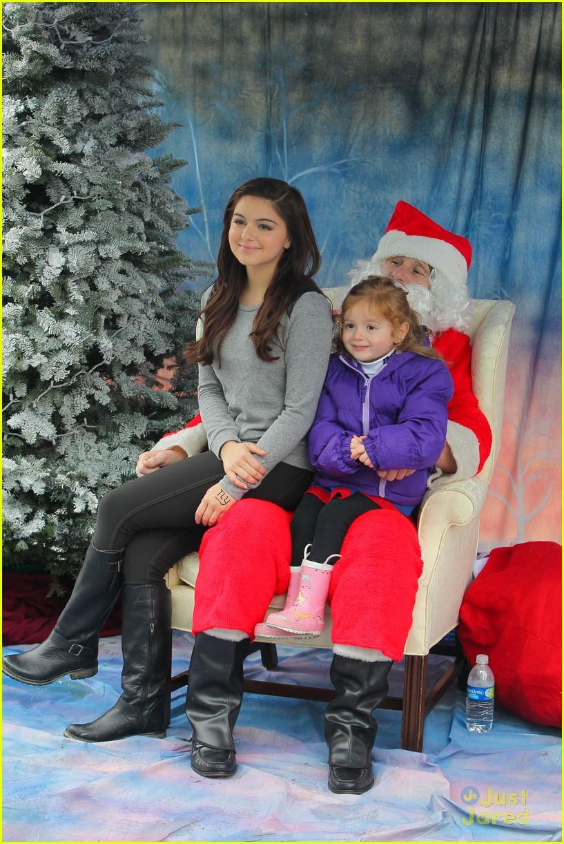 ariel winter santa visit 07