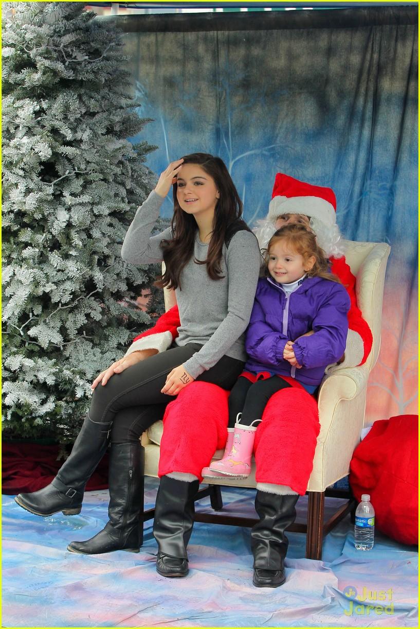 ariel winter santa visit 11