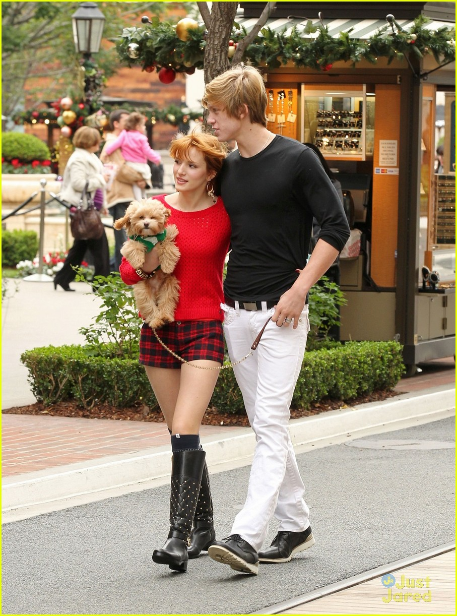 bella thorne ax shopping americana 07