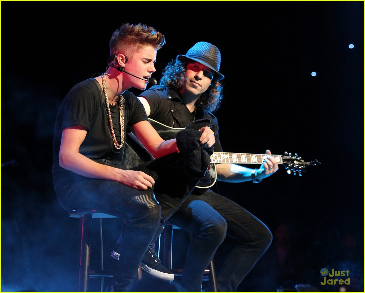 justin bieber jingle ball night two 02