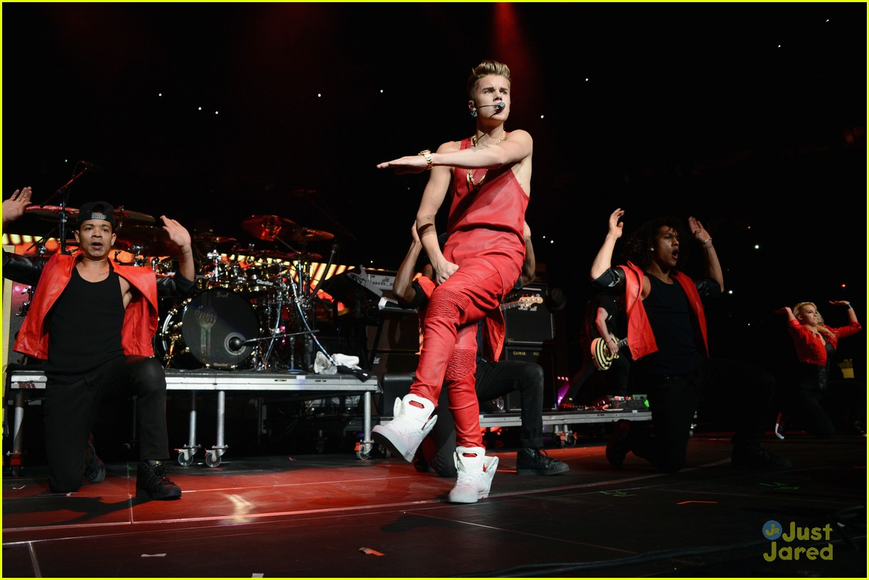 justin bieber q102 jingle ball 12