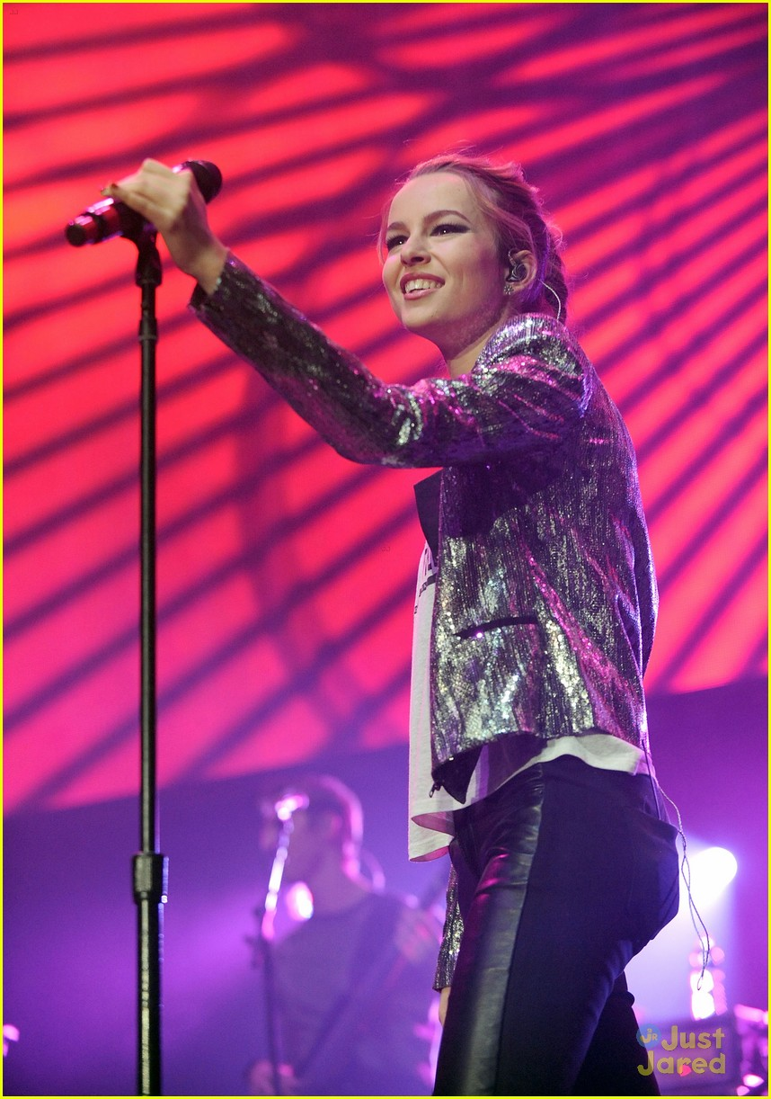 bridgit mendler power 961 jingle ball 08